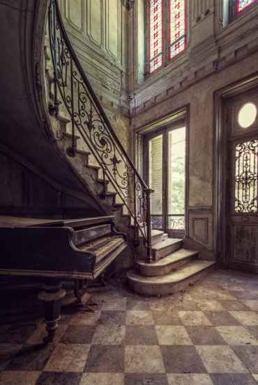 Grand Piano (Palac series)