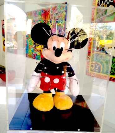 Mickey aux clous