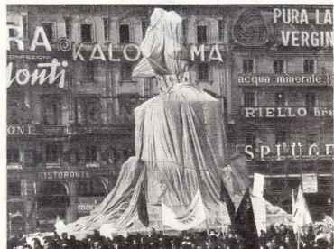 Wrapped Monument Vittorio Emanuele I