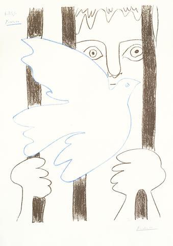 Pablo Picasso-After Pablo Picasso - Colombe bleu volant devant les barreaux-1959