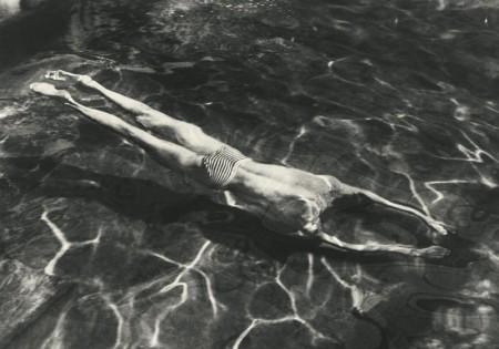 Andre Kertesz-Underwater Swimmer, Esztergom-1917