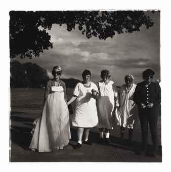 Diane Arbus-Untitled 8-1971