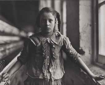 Lewis Wickes Hine-Joan of the Mill-1907