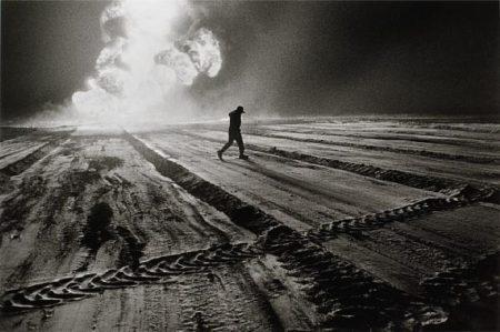 Sebastiao Salgado-Oil Wells, Kuwait-1991