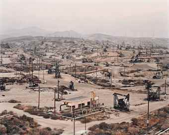 Edward Burtynsky-Oil fields #13, Taft, California-2002