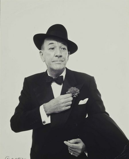 Richard Avedon-Noel Coward (Fastening carnation) 1961-1961