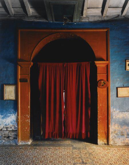 Andrew Moore-La Casa De Puly Sancti Spiritus Cuba(Cortina Roja)-1999