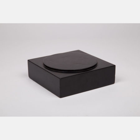 Allan McCollum-Louise Lawler-Ideal Settings: For Presentation and Display (One Pedestal)-1984