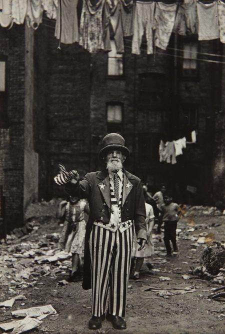 Diane Arbus-Max Maxwell Landar, Uncle Sam, N.Y.C.-1961