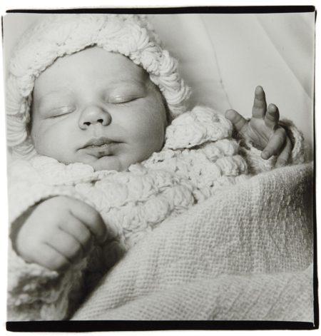 Diane Arbus-A Sleeping Baby, N.J.-1968