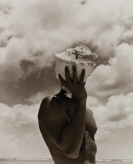 Herb Ritts-Man Holding Shell, Australia-1986