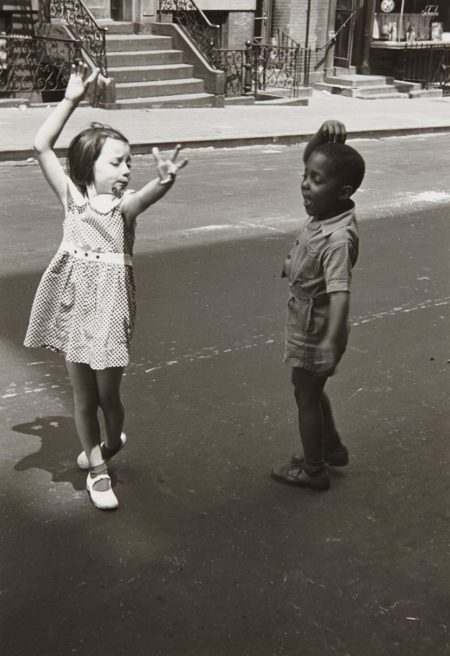 Helen Levitt-New York (Two Children Dancing)-1940