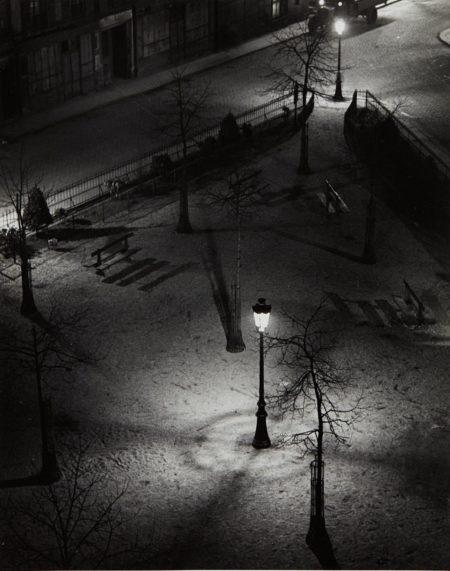 Andre Kertesz-Montparnasse, Square Jolivet-1927