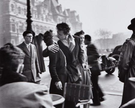 Robert Doisneau-Le Baiser De L'Hôtel De Ville-1950