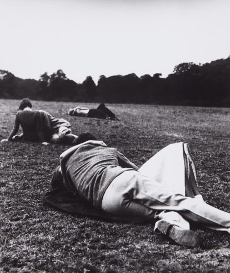 Bill Brandt-Sunday Evening, The Kissing Point, Hyde Park, London-1936