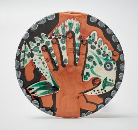 Pablo Picasso-Mains au poisson (Hands with Fish) (A. R. 214)-1953