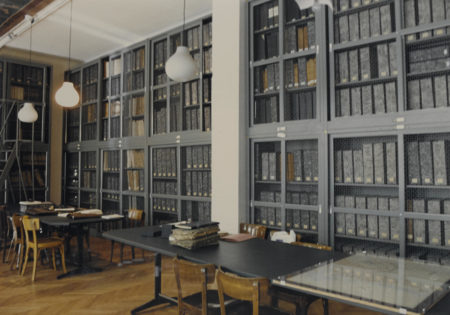 Candida Hofer-Biblioteca Civica Triest-1988