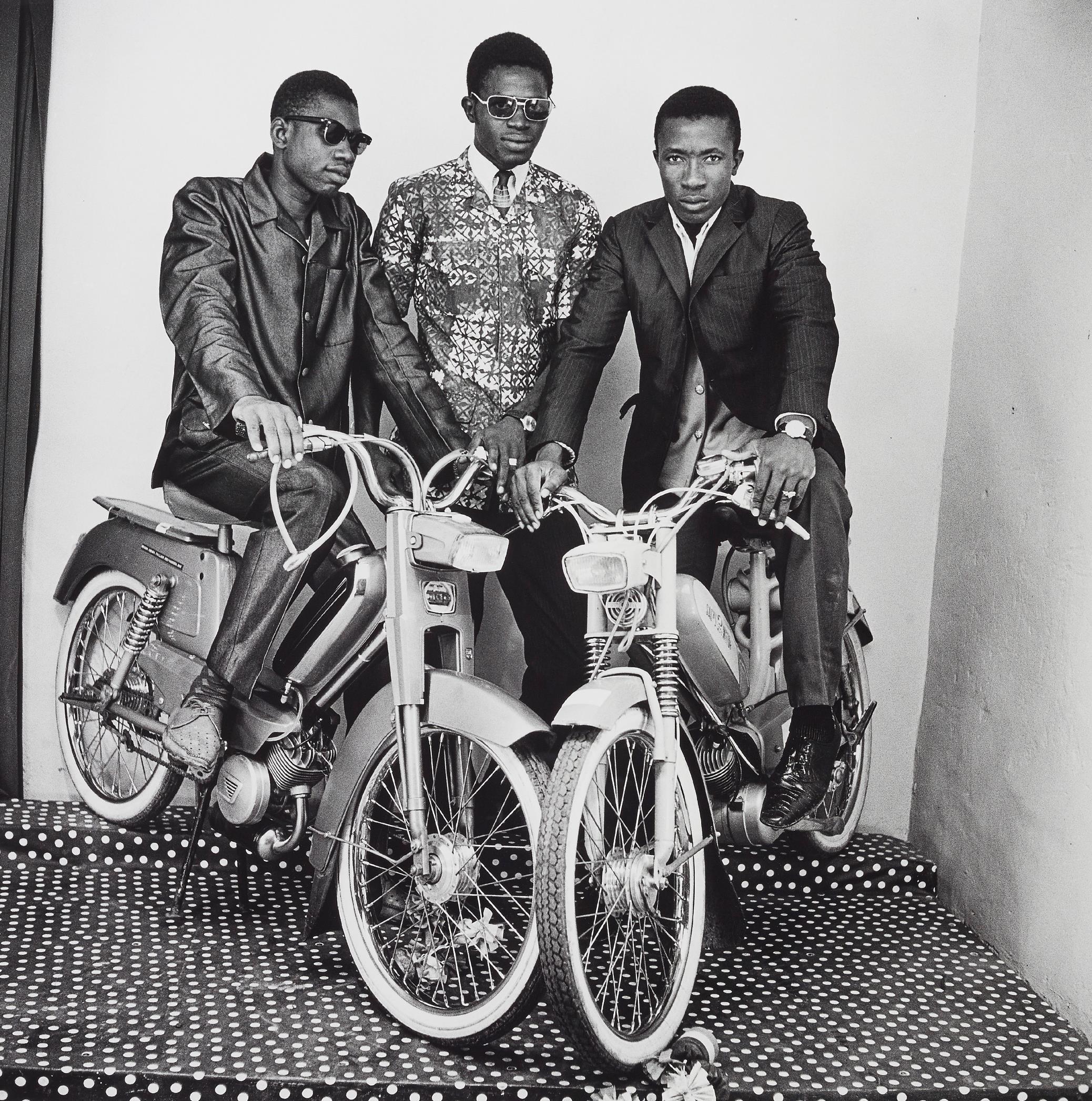Malick Sidibe-Les Trois Amis Avec Moto-1975