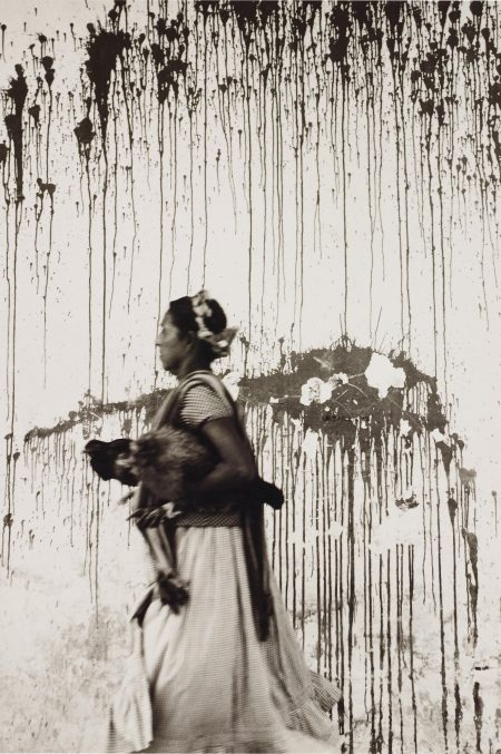 Graciela Iturbide-Los Pollos, JuchitaN, Oaxaca-1979