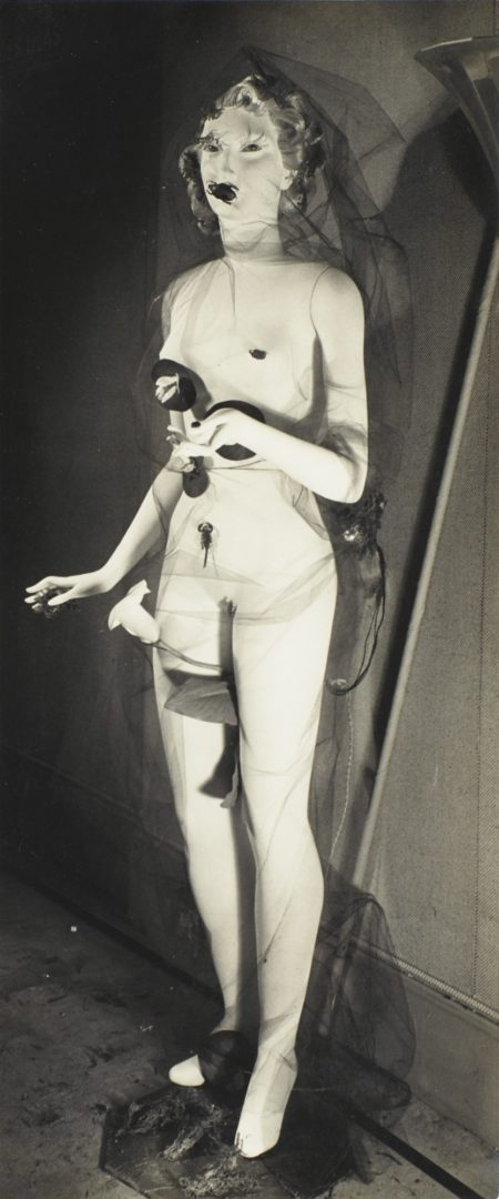 Raoul Ubac-Mannequin De Sonia Mosse Exposition Internationale Du Surrealisme-1938