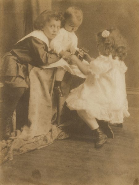 Trois EnfantsVers-1902