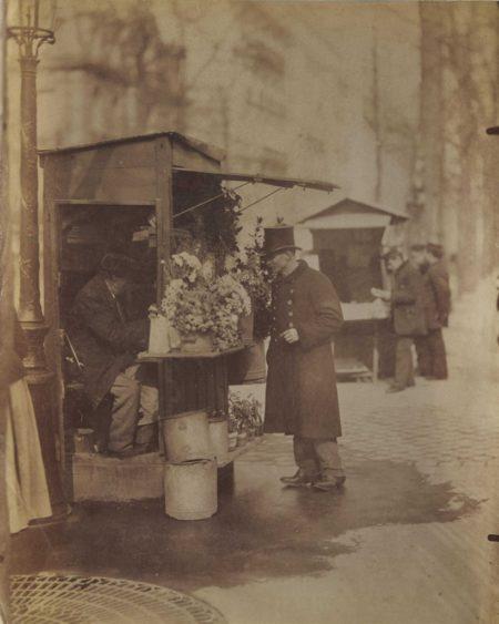 Eugene Atget-Cochetier et fleuriste, Paris-1898