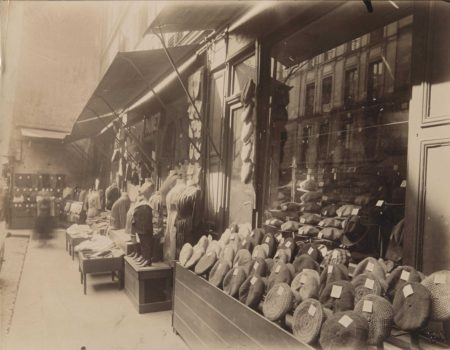 Eugene Atget-Rue Mouffetard, Paris-1920