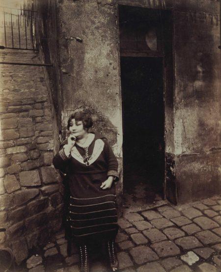 Eugene Atget-Rue Asselin, Paris-1921