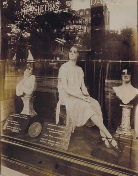 Eugene Atget-Coiffeur, Avenue de l'Observatoire, Paris-1926