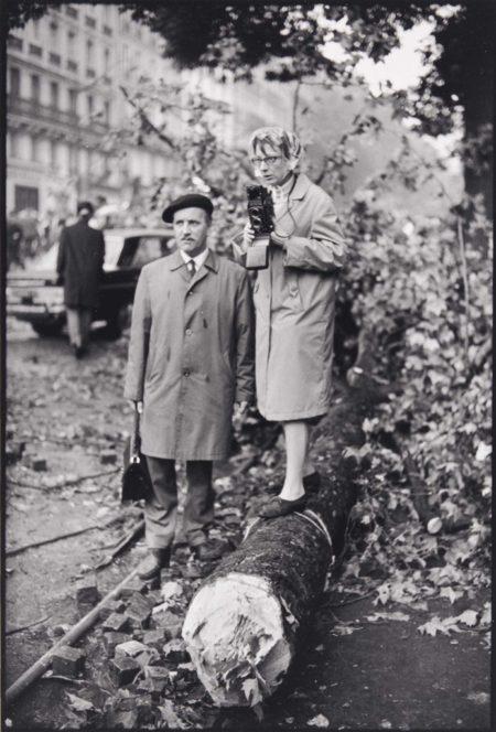 Henri Cartier-Bresson-Les emeutes, Paris-1968