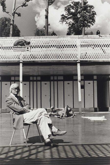 Helmut Newton-David Hockney, piscine royale, de la serie 'Private Property, Suite I', Paris-1975