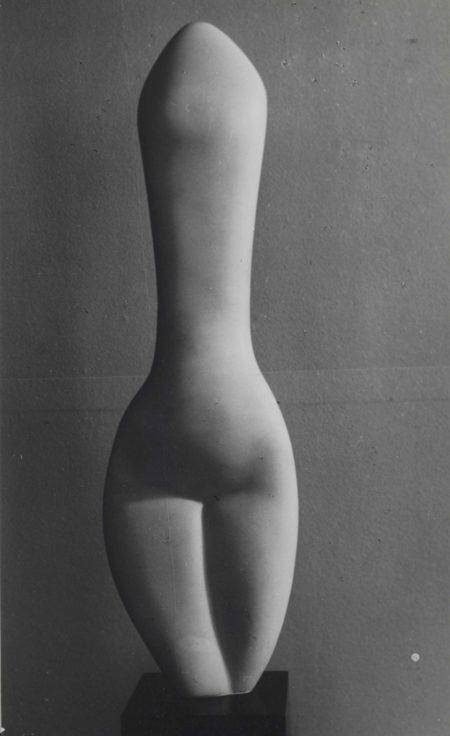 Brassai-Femme-Amande-1940