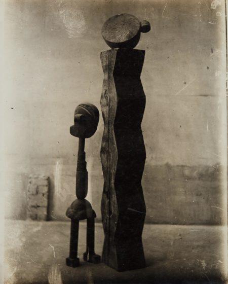 Constantin Brancusi-(Bois) Group Mobile (L'Enfant au monde)-1917