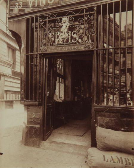 Eugene Atget-A L'Enfant Jesus Rue des Bourdonnais 33-1900