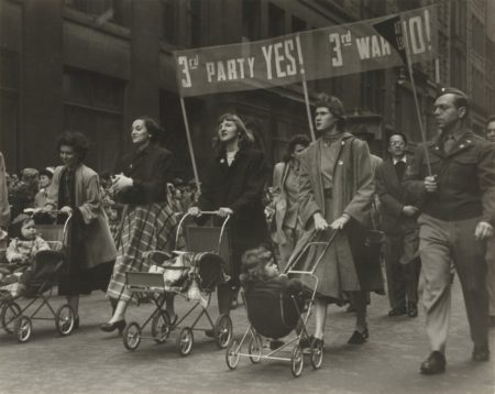 Ruth Orkin-Mothers Protesting-1945