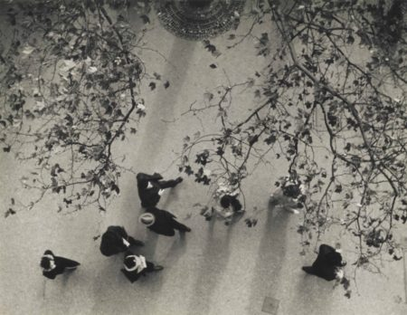 Andre Kertesz-Avenue De Lopera-1929
