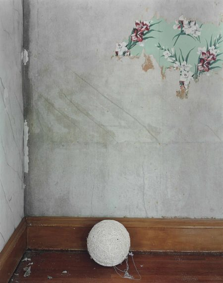 Alec Soth-Green Island, Iowa (Ball Of String)-2002
