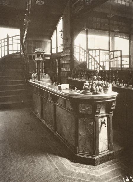 Eugene Atget-Marchand De Vin, Rue Boyer-1911