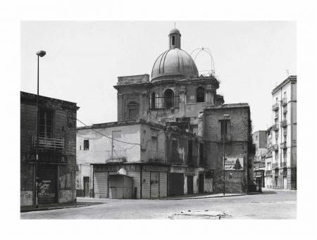 Thomas Struth-Kirche Auf Der Plaza Mercato, Neapel, 1994-1994