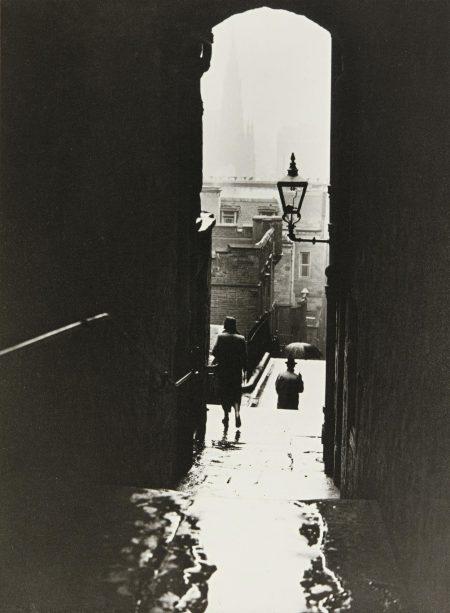Norman Parkinson-Edinburgh For Harpers Bazaar-1939