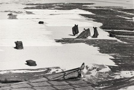 Henri Cartier-Bresson-Gujarat, Ahmedabad, India-1966