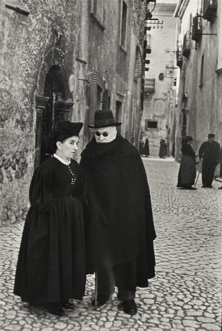 Henri Cartier-Bresson-Scanno, Abruzzo, Italy-1951