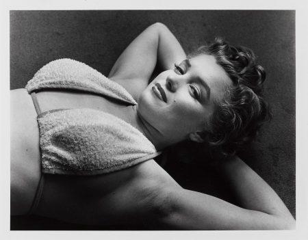 Philippe Halsman-Marilyn, Towelling Bikini-1952