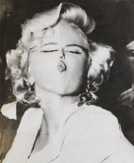 Marilyn, Distortion-1953