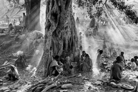 Sebastiao Salgado-Refugies du Tigray, Ethiopie (Tigray, Ethiopia)-1985