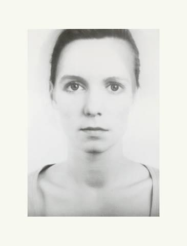 Thomas Ruff-Anderes Portrat Nr 143a/14-1995