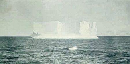 Thomas Ruff-Jpegs II (Iceberg)-2008
