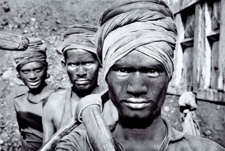 Sebastiao Salgado-Coal, India-1989