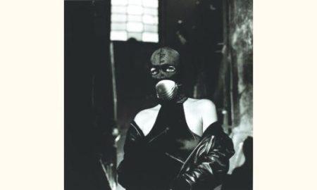 Helmut Newton-Protege contre les vapeurs d'amiante, Milan-1988