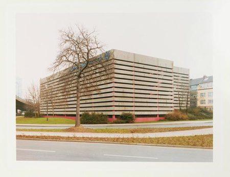 Thomas Ruff-Haus Nr. 8 I-1988